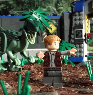 ¿No viste Jurassic World? Este video te la resume en 90 segundos y con legos