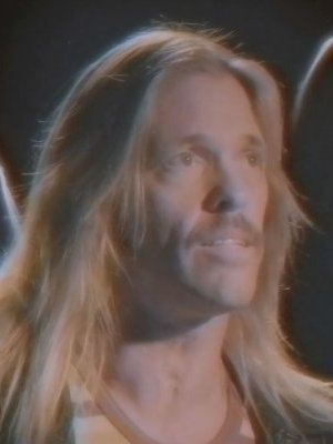 Taylor Hawkins de Foo Fighters lanza 'ochentero' video clip de nuevo single solista
