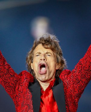 VIDEO | Mick Jagger subió video carreteando de lo lindo a sus 73 años
