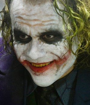 Fanáticos festinan en las redes con supuesto error de 'The Dark Knight'
