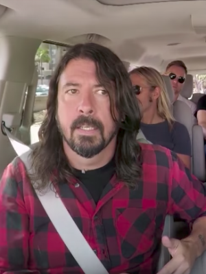 VIDEO | Foo Fighters protagonizaron el nuevo 'carpool karaoke' de James Corden
