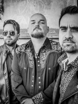 Alain Johannes trio tocará en show de Queens of the Stone Age en Chile