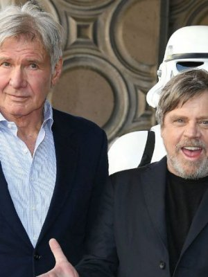 VIDEO | El emotivo homenaje de Harrison Ford a Carrie Fisher en ceremonia de Mark Hamill