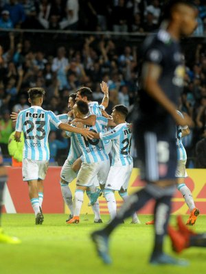 VIDEO | Racing derrota a Universidad de Chile y avanza a octavos de final de Copa Libertadores