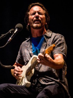 VIDEO | Eddie Vedder versionó 'Help' de The Beatles en Praga