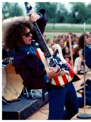 MC5 celebrará su aniversario 50 con Billy Gould y Matt Cameron como integrantes