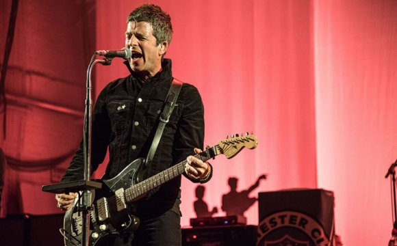Noel Gallagher volverá a Chile para festival Colors Night Lights 2018