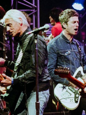 VIDEO | Noel Gallagher y Paul Weller se subieron al escenario para tributar a The Jam y The Beatles