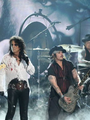 VIDEO | El clásico de Bowie que Johnny Depp versionó junto a Hollywood Vampires