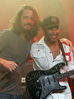 VIDEO | Sale a la luz inédito ensayo de Chris Cornell y Tom Morello previo a show en Seattle